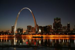 St. Louis on the Mississippi River, Gateway Arch and Old Courthouse. Courtesy of Daniel Schwen, January 27, 2008